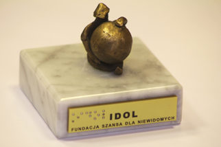 idol-statuetka